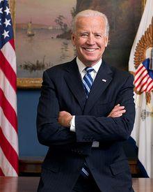 800px-Joe Biden official portrait 2013.jpg